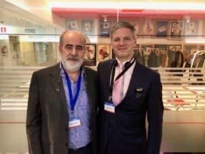 El Dr. German Morales con Mark Whiteley